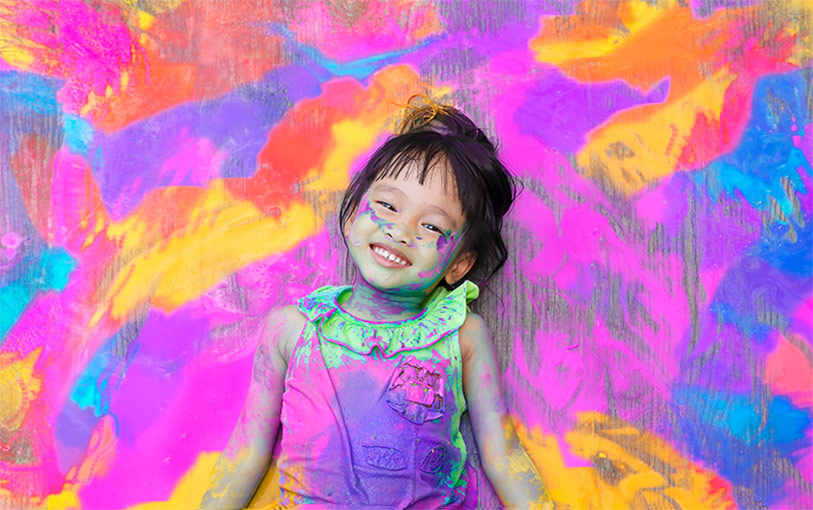 messy play little girl